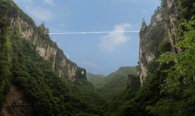 Zhangjiajie Grand Canyon Glass Bridge (2)