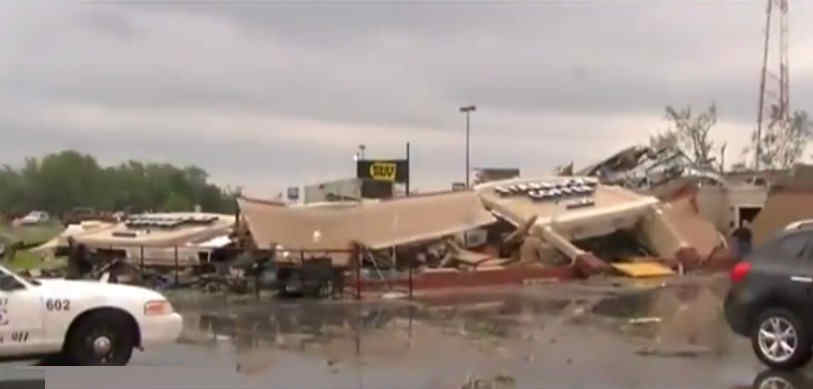 Tornado destroying Kokomo Starbucks  (1)
