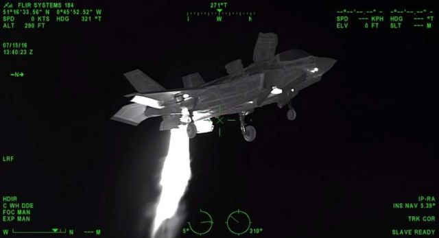 Watch a Hovering F-35B from a Helicopter's Heat-Vision (1)