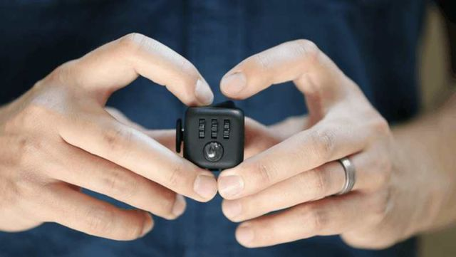 Fidget Cube stress relieving toy (4)