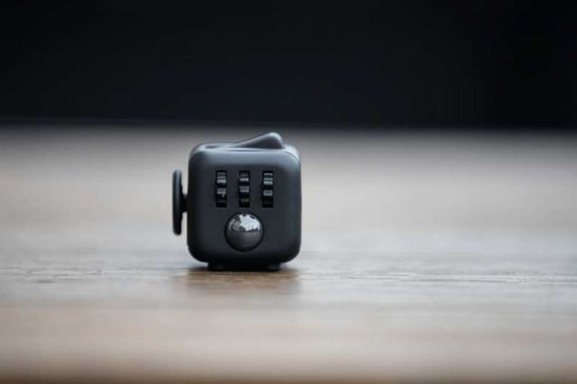 Fidget Cube stress relieving toy (3)