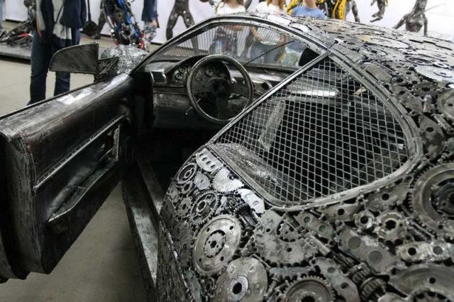 Iconic Cars created from Recycled Metals (1)