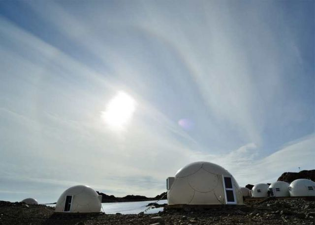 Luxury campsite in Antarctica