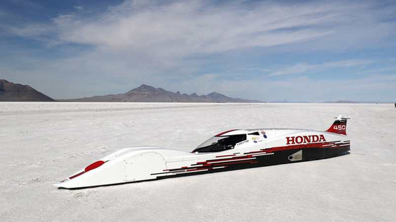 Three-cylinder Honda sets new record of 261.875 mph
