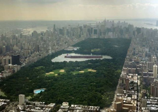 Seawise Giant which spanned 1,504 feet, placed in the main lake in New York's Central Park.