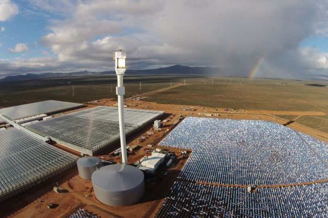 Growing Vegetables in the Desert using only Sun and Seawater