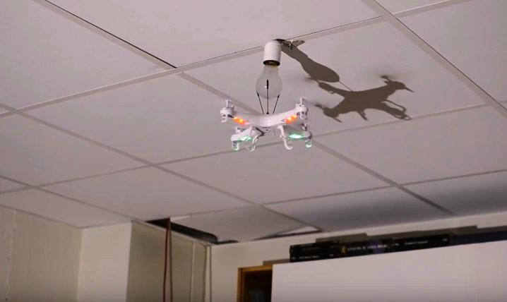 how-to-replace-a-light-bulb-with-a-drone-1