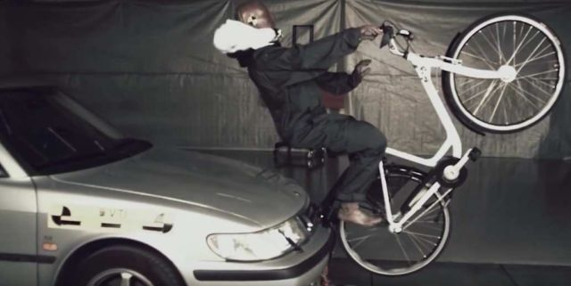 first-airbag-for-cyclists-1