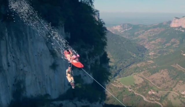 surfing-and-base-jump-from-a-zipline-1