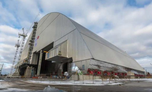 Chernobyl's gigantic Radiation Shield (5)