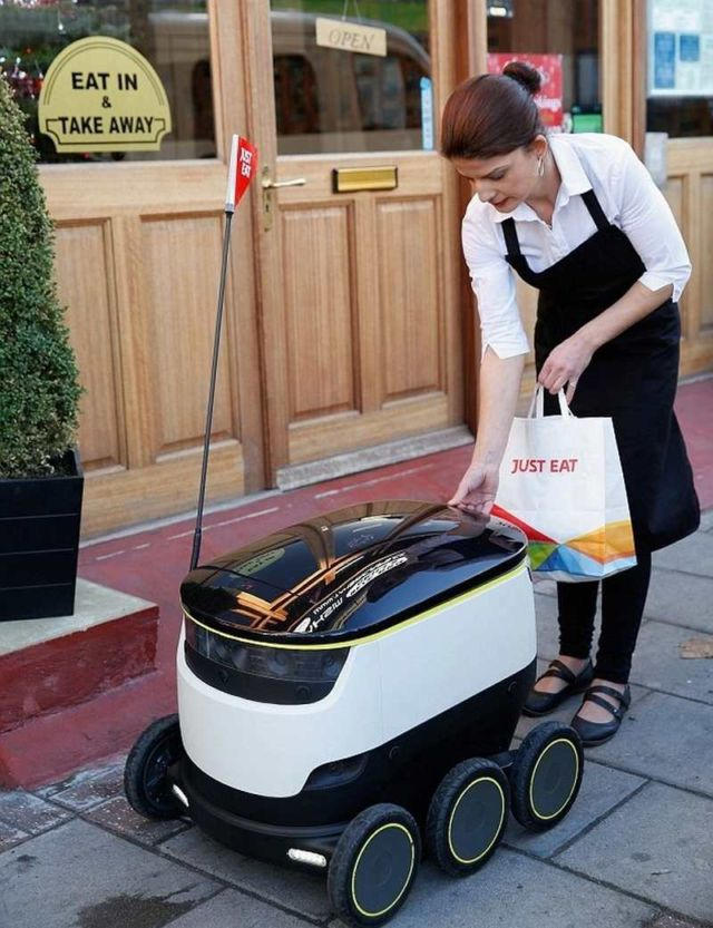 Just Eat takeaways with self-driving robot (2)