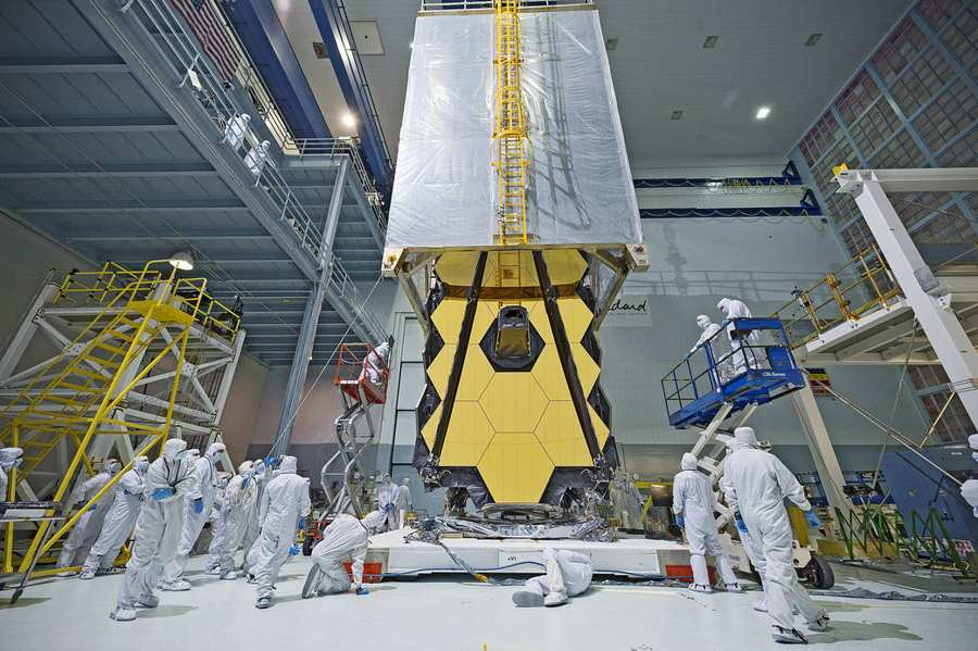 webb-space-telescope-clean-room-transporter-1a