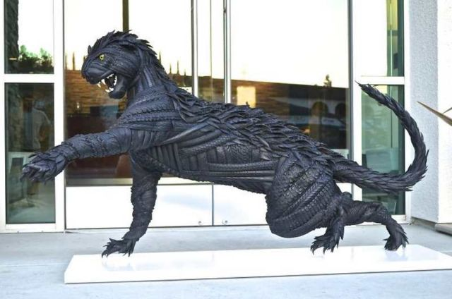 Sculptures made of Tires (6)