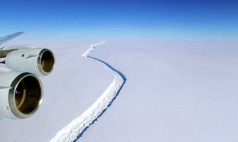 Giant Antarctic Iceberg is breaking away