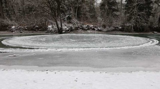 Giant Ice Circle spinning in a Washington River