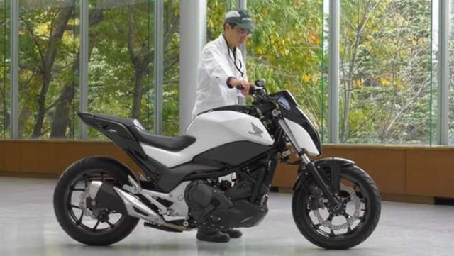 Honda Self-Balancing Motorcycle