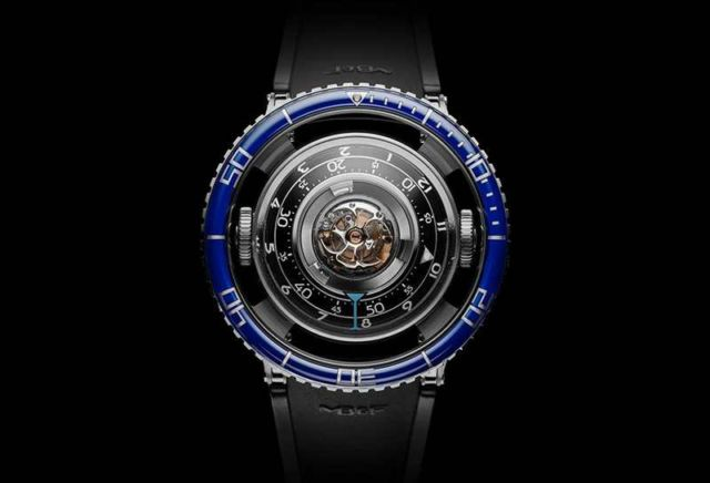 MB&F HM7 Aquapod Watch (2)
