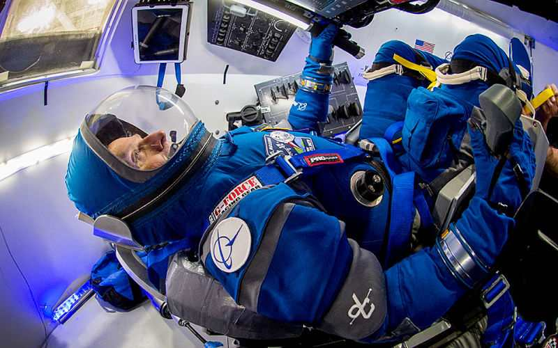 New Boeing's lighter Spacesuit for Astronauts (4)