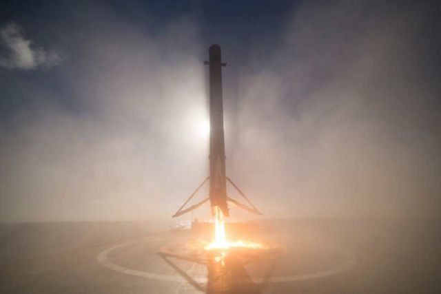 SpaceX unveils stunning images with its return (3)