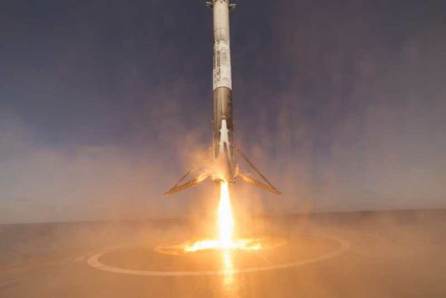 SpaceX unveils stunning images with its return (2)