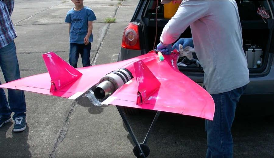 744 kmh World Fastest RC Model 1