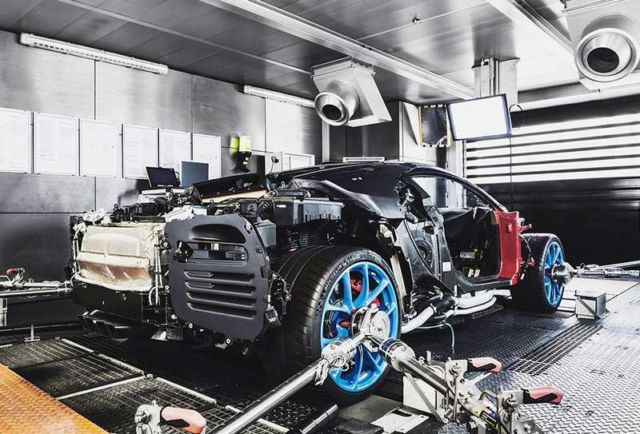 Bugatti Chiron at Molsheim production facility (7)
