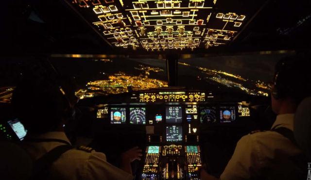 Night Landing - Cockpit view