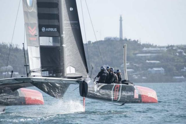 Oracle Team's new America's Cup Class boat (3)