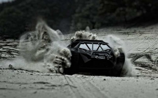 Ripsaw EV2 dual track off-road vehicle (5)