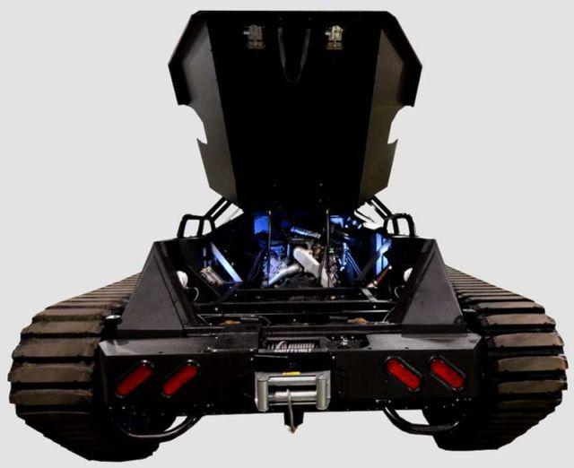 Ripsaw EV2 dual track off-road vehicle (1)