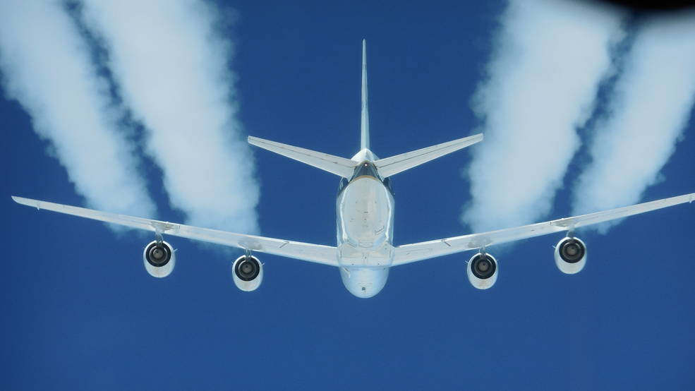 Biofuels Reduce Jet Engine Pollution