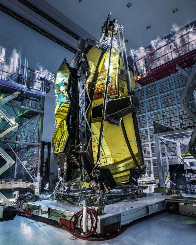 'Lights Out' Inspection on Webb Telescope