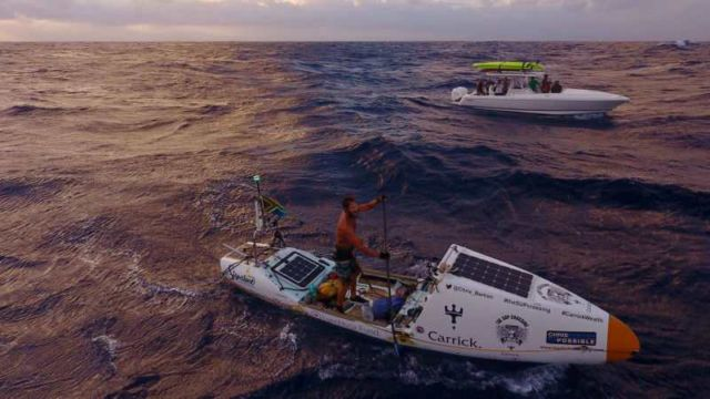 Paddleboarder makes world-first Atlantic Crossing (3)