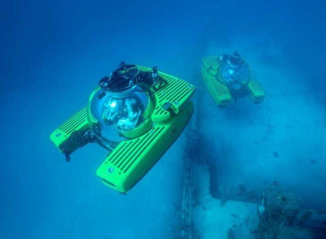 Triton 6600-2 Personal Submarine (2)
