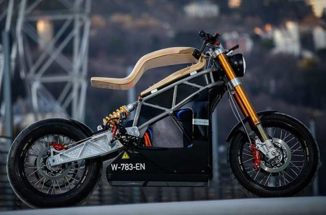 Essence E-RAW Motorcycle