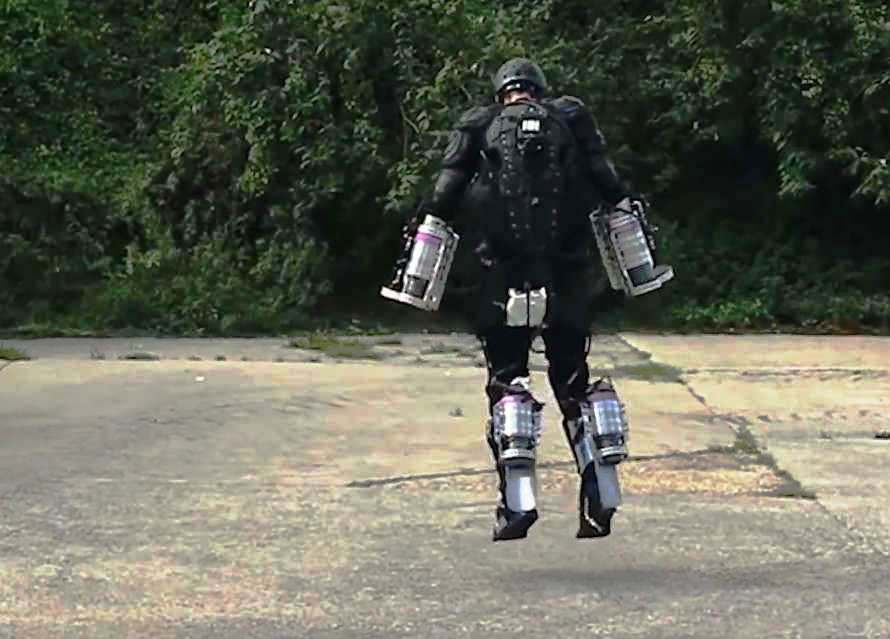 wordlesstech reallife iron man with his own flying suit