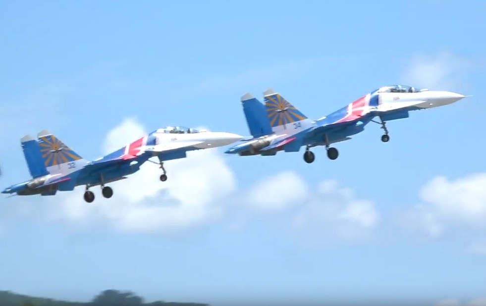 Russian Knights - first show with Su-30