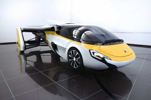 AeroMobil flying car (2)
