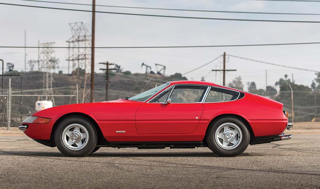 1970 Ferrari 365 GTB/4 Daytona Berlinetta (1)