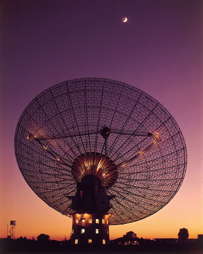 The 64-meter radio telescope at Parkes Observatory