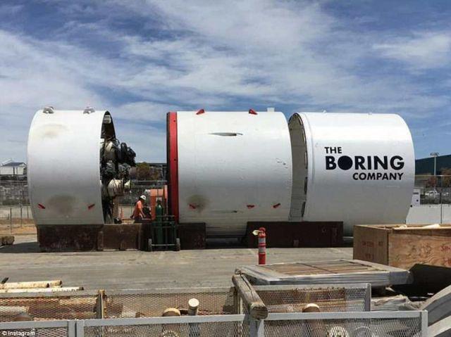 Tesla's 'Boring Cars' (1)
