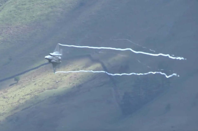 F35's Flying through the Mach Loop