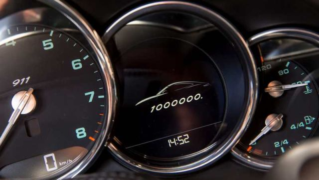 Porsche builds its millionth 911 (5)