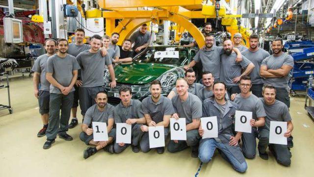 Porsche builds its millionth 911 (3)