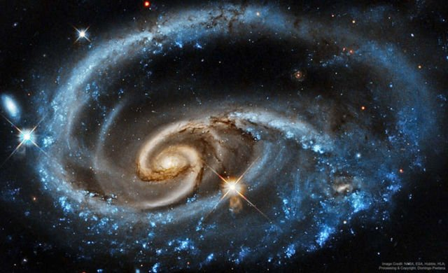 Wildly Interacting Galaxy from Hubble