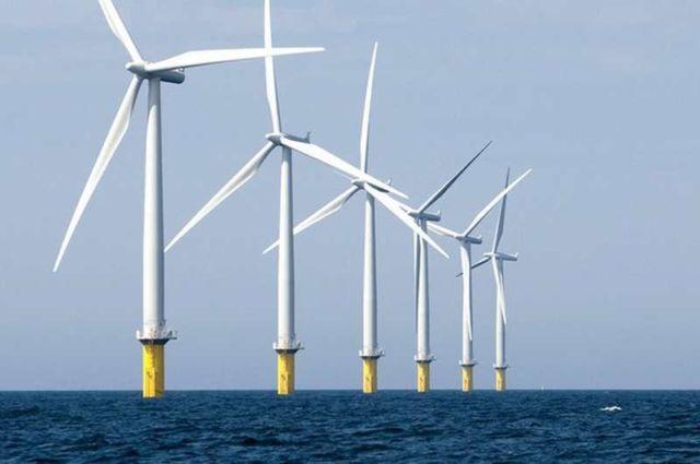 World's largest wind farm gets rolling near Liverpool