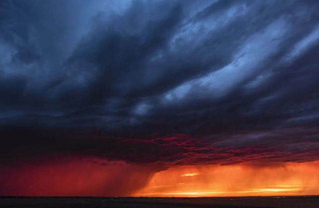 A powerful Supercell Thunderstorm timelapse