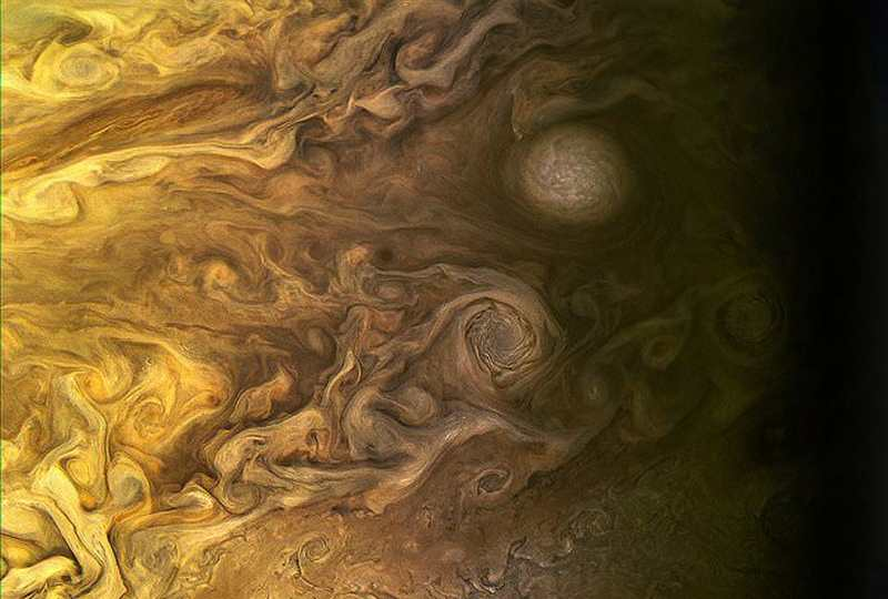 A whole new Jupiter from Juno (5)