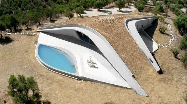 Villa Ypsilon in Greece