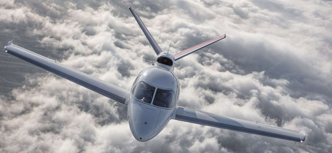 Cirrus SF50 Vision personal jet (1)